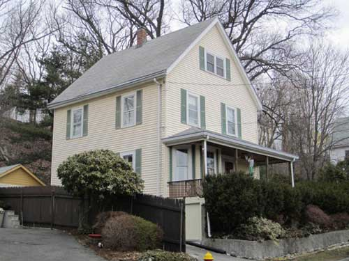 This house is located in Melrose MA on Hancock st. This roof was failing in a big way from roof leaks to chimney leaks, it was time for a new. The good news is that this roof lasted 35 years.